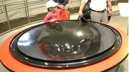 Интерактивный экспонат  Черная дыра (Гравитационные колодец)