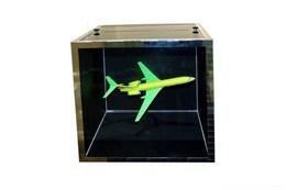 Интерактивный экспонат Зеркальный куб (самолет)