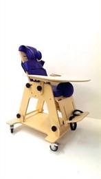 Функциональное кресло на колесиках для детей с ограниченными возможностями