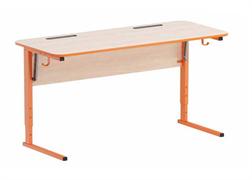 Стол ученический регулируемый. Наклон столешницы (0-24°) углы столешницы закруглены. Каркас на  прямоугольной трубе, цветной